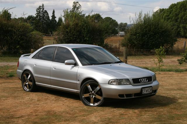 What Color Wheels On A Silver A4