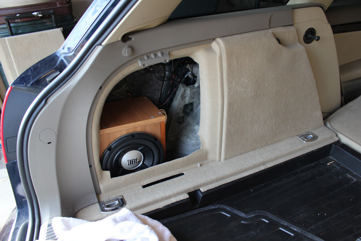 new hu amp and sub in my b7 a4 avant. Black Bedroom Furniture Sets. Home Design Ideas