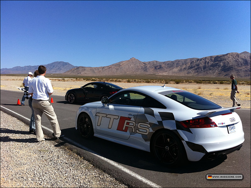 ttrs_vegas_iphone_w_091911_05