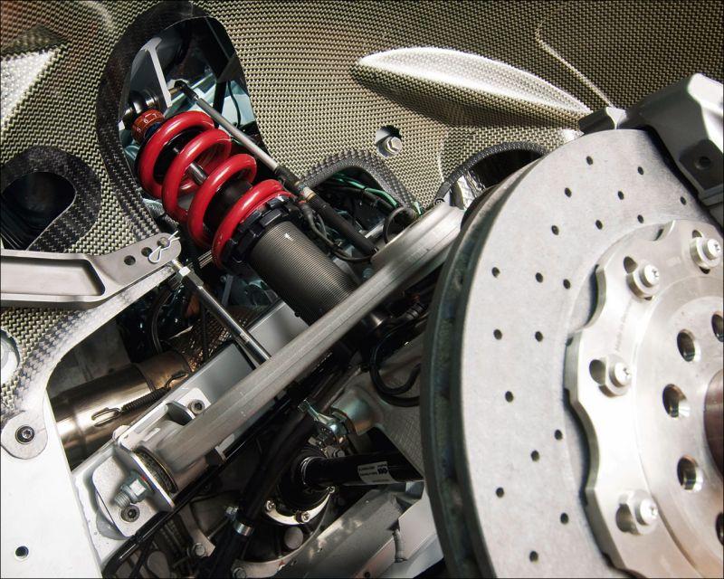 The Audi R8 LMS suspension system - 1280x1024
