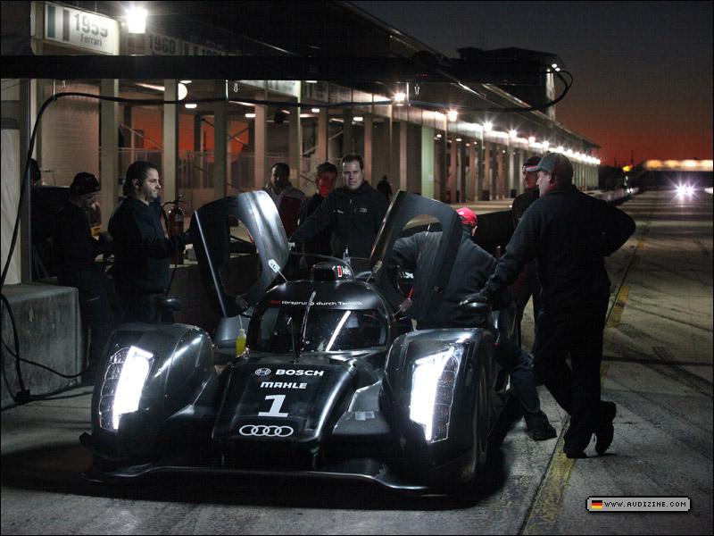 motorsport_013111_800_07