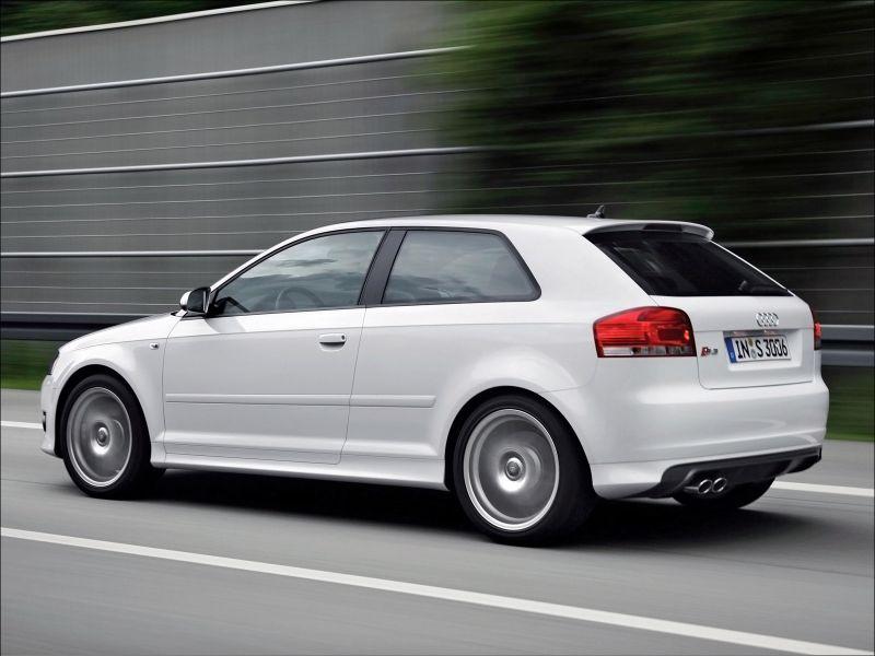 Audi S3 quattro - 1600x1200
