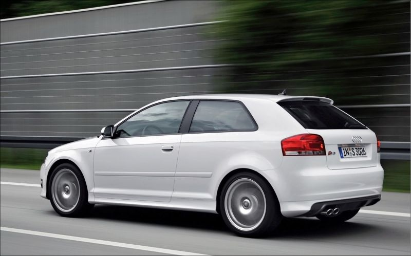 Audi S3 quattro - 1680x1050