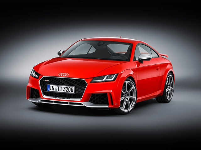 Stronger than ever: new Audi TT RS Coupé and new Audi TT RS Roadster